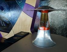 Лава лампы в оформлении бара в США